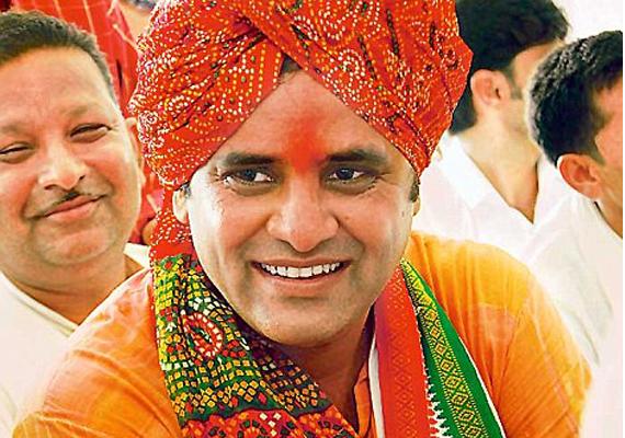 mp congress chief arun yadav compares modi to mungerilal