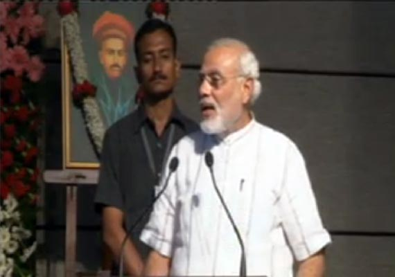 modi lashes out at food security scheme says cwg scam