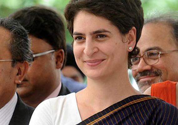 priyanka visits congress headquarters