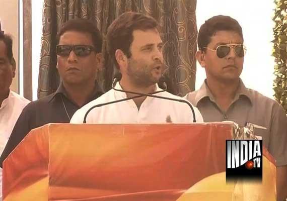 rajasthan polls pro modi slogans at rahul rally
