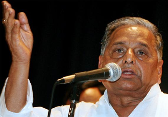 sp hails judgement on chidambaram bsp says no comment