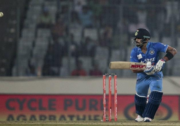 pakistan greats laud kohli s match winning effort