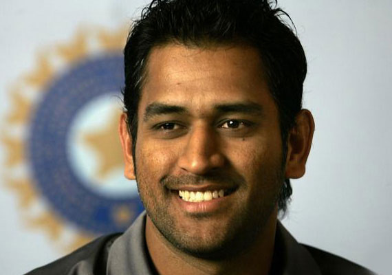 dhoni a rare breed of cricketer dean jones says