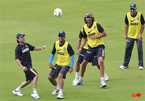 dhoni seeks fresh start in the season against new zealand