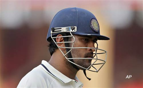 bowling woes for dhoni as india aim to go for the kill