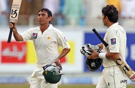 ton up younis helps pakistan foil south africa