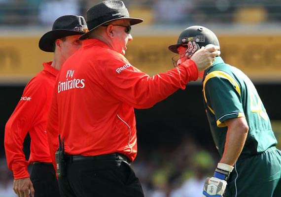 out or not out third umpire creates confusion