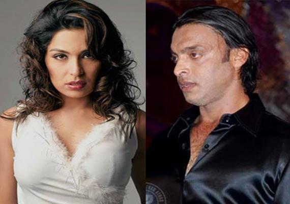 shoaib akhtar nihayati badtameez hai says pak actress meera
