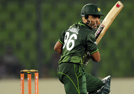 pakistan spank lanka to storm into the final of asia cup