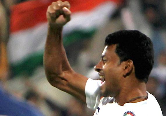 hockey star birendra lakra felicitated