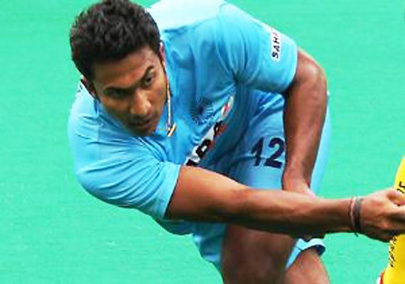 raghunath s golden goal puts india in semifinals