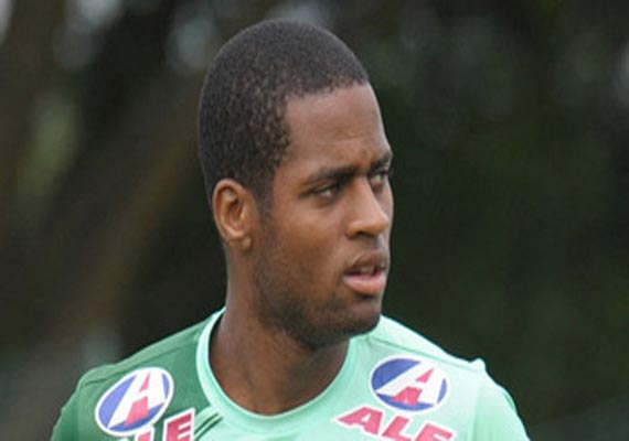 brazil defender dede cleared to join cruzeiro
