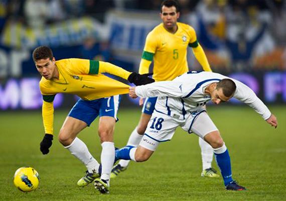 brazil edges bosnia 2 1 in friendly in switzerland