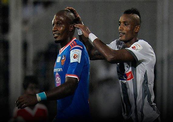 isl aiff suspends atletico de kolkata coach and two players