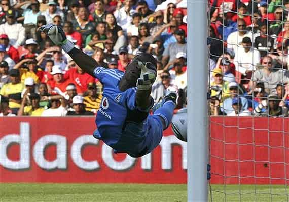 know how south africa soccer team captain was shot and