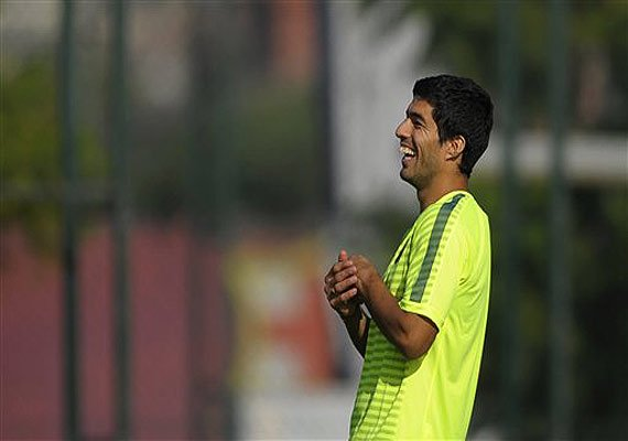 luis suarez to return in clasico after biting ban