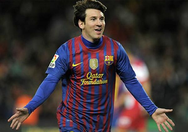 lionel messi extends new barcelona all time scoring record
