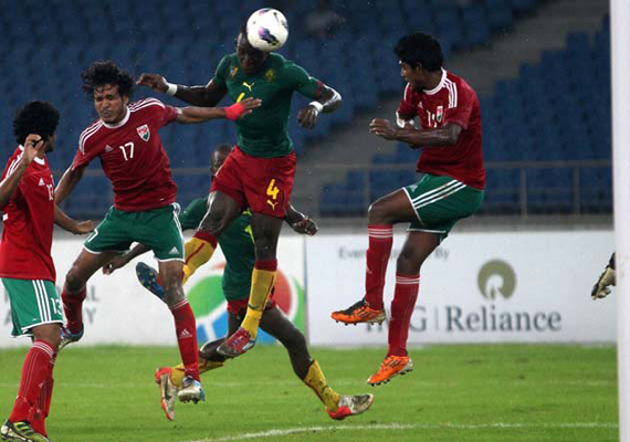 nehru cup cameroon beat maldives face india in final