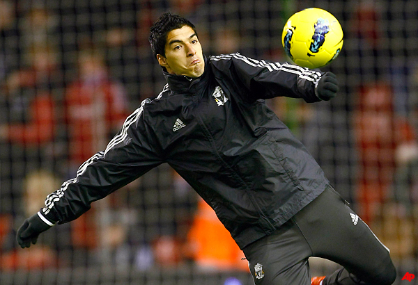 suarez called up for uruguay friendly with romania