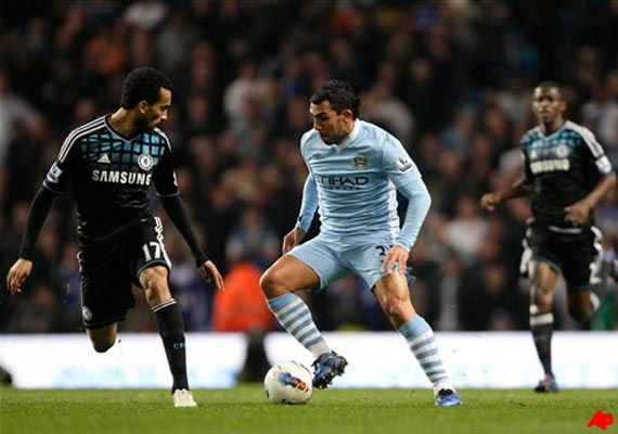 tevez helps city rally for 2 1 win over chelsea