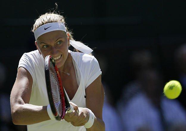 petra kvitova opens wimbledon defense with 6 1 6 0 win