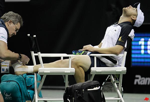 roddick overcomes injury to win in san jose