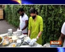 TV actress Rishina Kandhari prepares food packets for needy amid lockdwon