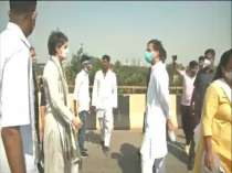Hathras gangrape: Rahul Gandhi, Priyanka Gandhi stopped by police at Yamuna Expressway