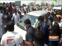 Hathras gangrape: Priyanka, Rahul Gandhi cross Delhi-UP border
