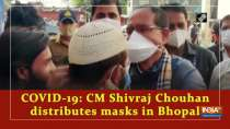 COVID-19: CM Shivraj Chouhan distributes masks in Bhopal