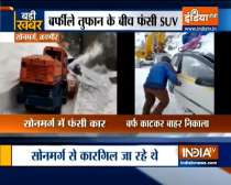 J&K: SUV with 6 occupants rescued by BRO (Border Roads Organisation) at Zojila Pass
