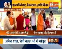 PM Modi visits senior BJP leader Lal Krishna Advani on his birthday