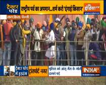 R-Day Tractor Rally | Farmers climb domes of Red Fort, hoist flags; several cops injured in clashes
