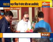 TMC leader Madan Mitra offers prayer at a Dakshineshwar Kali Temple, casts his vote at a polling booth in Kamarhati