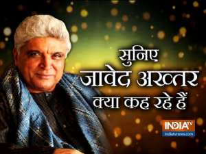 Javed Akhtar launches IRS Sonal Sonkavde's new book