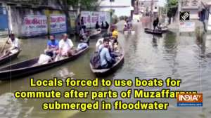 Locals forced to use boats for commute after parts of Muzaffarpur submerged in floodwater
